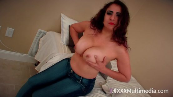 miss gia love tits